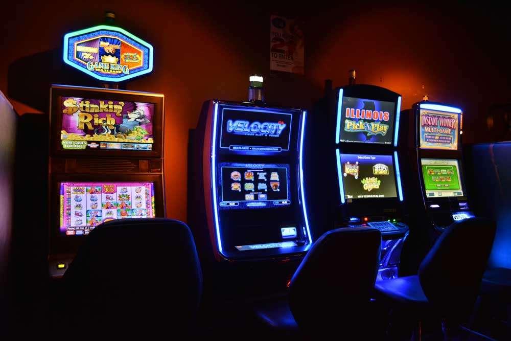 Club 390 - night club  | Photo 8 of 10 | Address: 390 E Joe Orr Rd, Chicago Heights, IL 60411, USA | Phone: (708) 758-2582