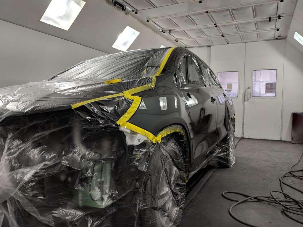 SE Autobody / Collision Center - car repair    Photo 4 of 10   Address: 2175 Hancock St, San Diego, CA 92110, USA   Phone: (619) 260-1167