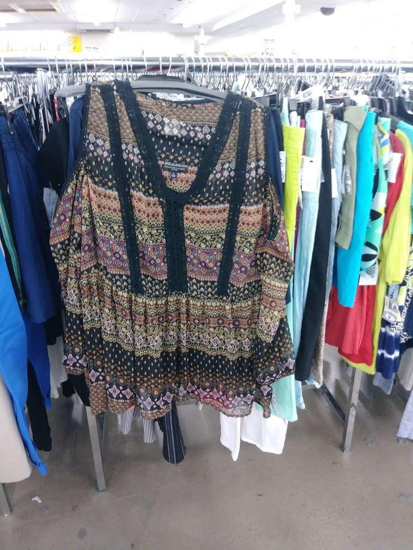 Name Brand Clothing - clothing store    Photo 4 of 10   Address: 8800 Marshall Dr, Shawnee Mission, KS 66215, USA   Phone: (913) 859-9898