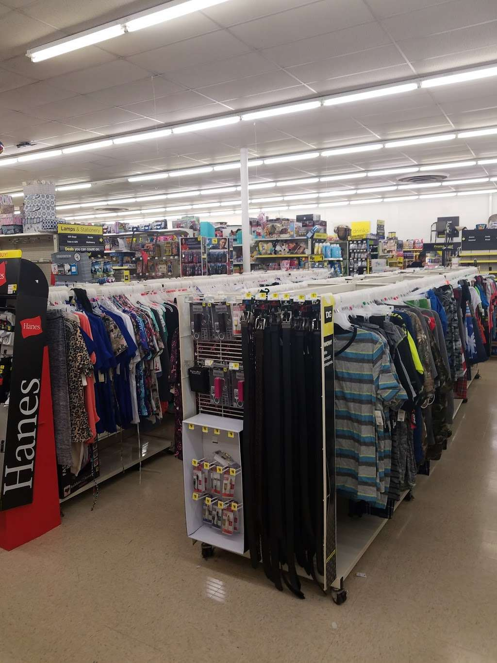 Dollar General - home goods store  | Photo 6 of 9 | Address: 1805 Columbia Ave, Lancaster, PA 17603, USA | Phone: (717) 740-2655