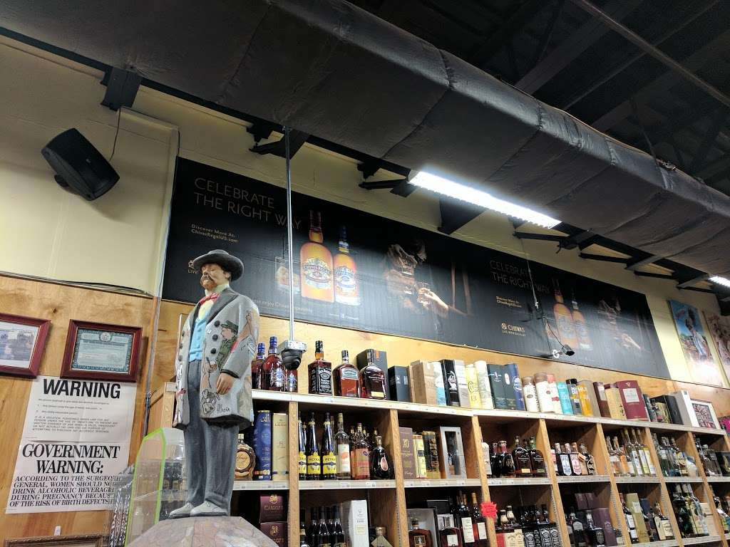 Heights Wine & Spirits Corporation - store  | Photo 8 of 10 | Address: 4474 Broadway, New York, NY 10040, USA | Phone: (646) 726-4102