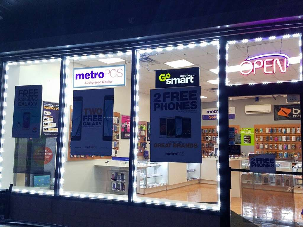 Smartphone Center - store  | Photo 3 of 10 | Address: 7 Walker St, Staten Island, NY 10302, USA | Phone: (718) 720-1917