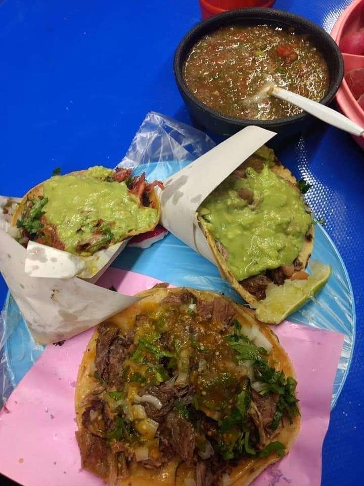 tacos noemi - restaurant    Photo 4 of 8   Address: Av. Ignacio Allende 7096, Azcona, 22100 Tijuana, B.C., Mexico