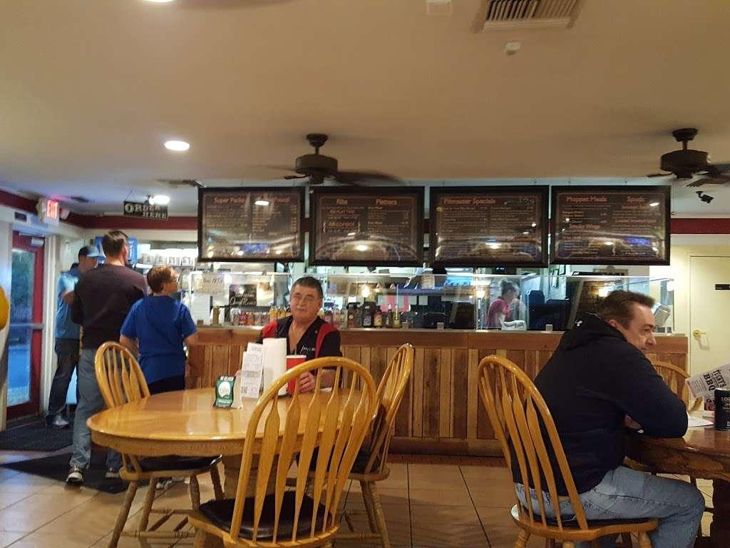 Tuckys BBQ - restaurant  | Photo 9 of 10 | Address: 308 N Boulder Hwy, Henderson, NV 89015, USA | Phone: (702) 566-4227