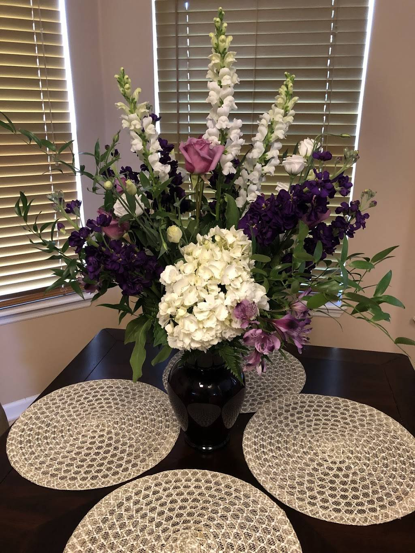 Dinsmore Florist - florist  | Photo 2 of 5 | Address: 10452 New Kings Rd, Jacksonville, FL 32219, USA | Phone: (904) 768-7444