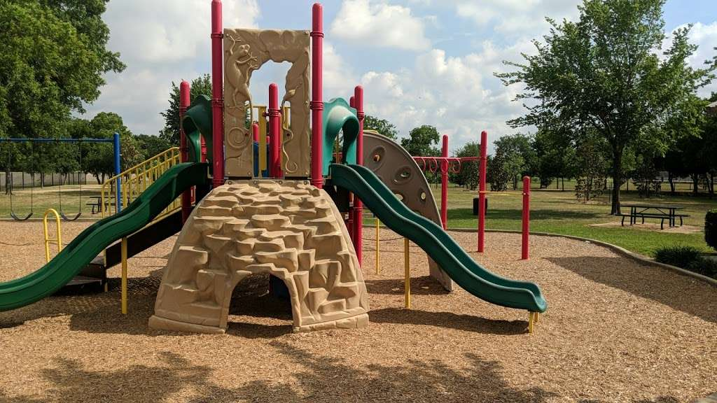 Fry Road Park - park  | Photo 8 of 10 | Address: 19818 Franz Rd, Katy, TX 77449, USA | Phone: (281) 496-2177