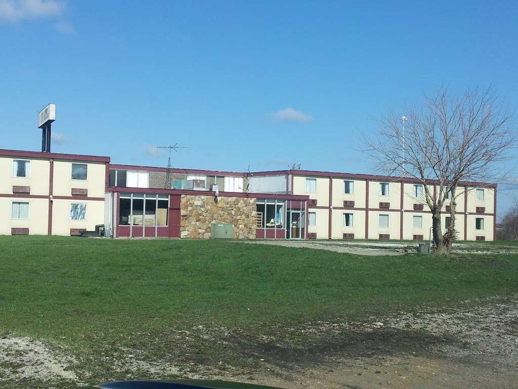 Sun Motel - lodging  | Photo 7 of 10 | Address: 140 S Hickory St, Braidwood, IL 60408, USA | Phone: (815) 458-2812
