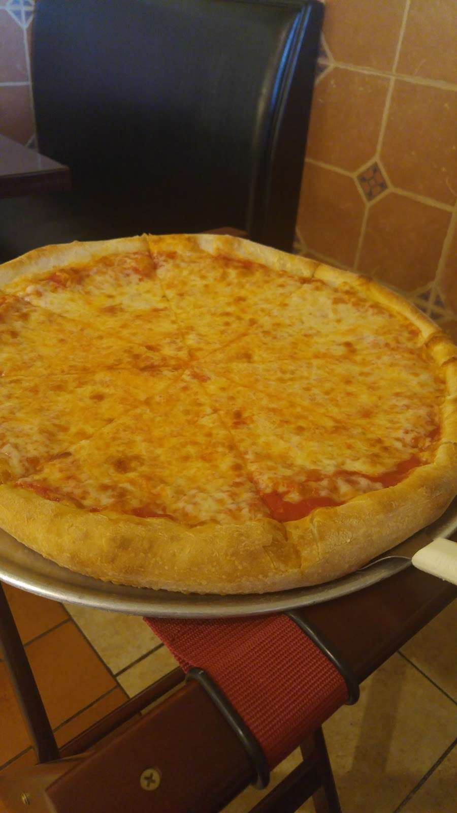 Mammas Pizza - restaurant  | Photo 7 of 10 | Address: 215 N Main St, Loganville, PA 17342, USA | Phone: (717) 428-3026