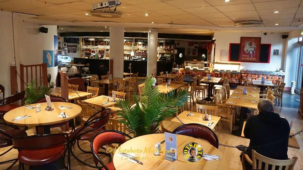 Salento Restaurant Bar pizzeria London - cafe  | Photo 1 of 10 | Address: 3 Clove Cres, Poplar, London E14 2BB, UK | Phone: 020 7537 2373
