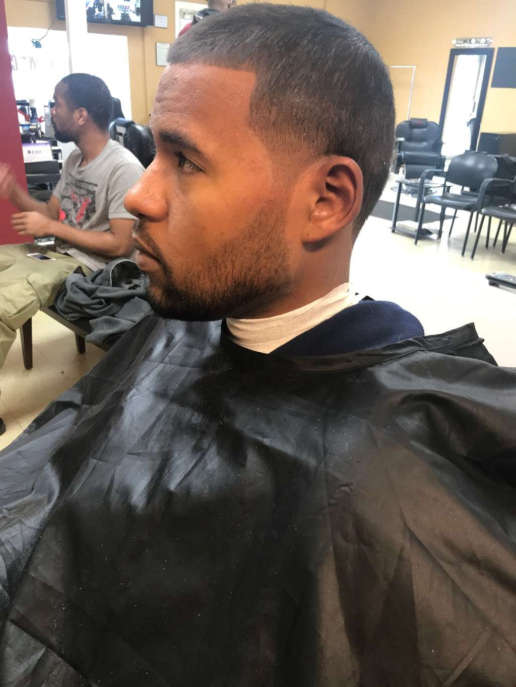 Hair Mechanx Barber & Beauty Salon LLC - hair care  | Photo 6 of 10 | Address: 8716 E 21st St, Indianapolis, IN 46219, USA | Phone: (317) 572-0340