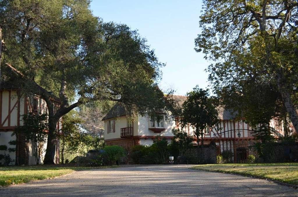 Sunny Gables Estate - museum  | Photo 8 of 10 | Address: 582 Meadow Grove St, La Cañada Flintridge, CA 91011, USA