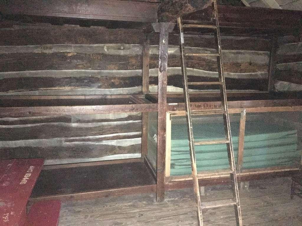 Bear Spring Cabin PATC - lodging  | Photo 7 of 10 | Address: 22, Burkittsville, MD 21769, USA | Phone: (703) 242-0315