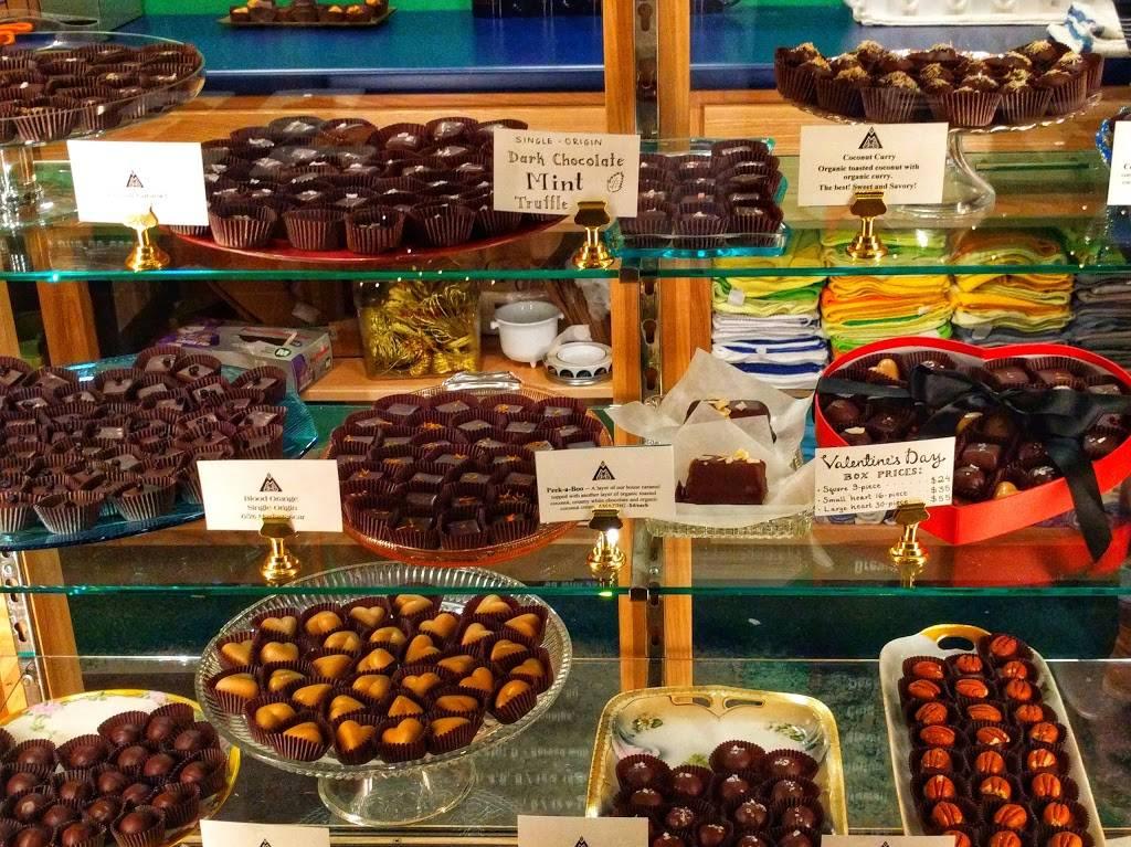 Madison Chocolate Company - cafe  | Photo 3 of 10 | Address: 729 Glenway St, Madison, WI 53711, USA | Phone: (608) 286-1154