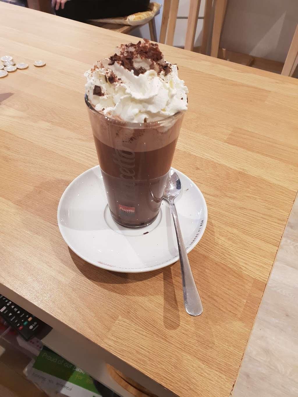 Jess and the beanstalk - cafe  | Photo 2 of 10 | Address: 19Manor, Green road, Epsom KT19 8RA, UK | Phone: 01372 877071