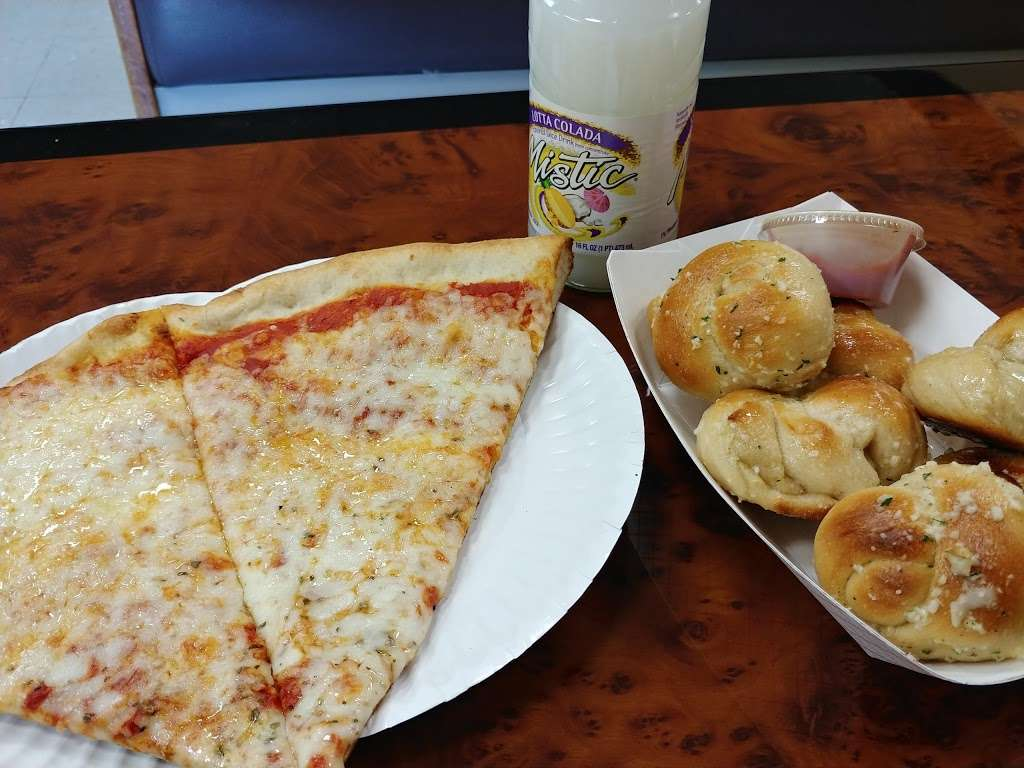 Pinos Pizzeria - restaurant  | Photo 2 of 9 | Address: 230 Line St, Easton, PA 18042, USA | Phone: (610) 253-2944