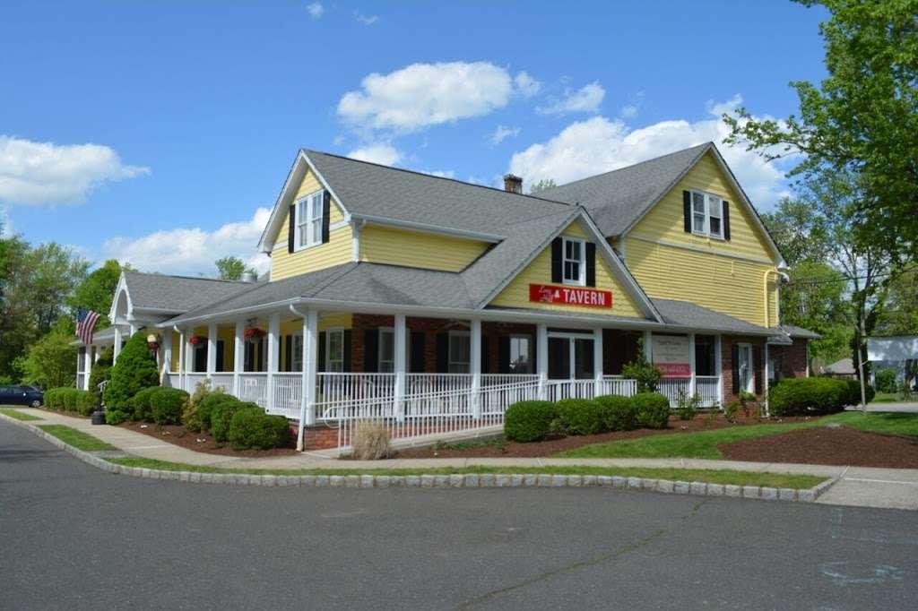 Long Hill Tavern - restaurant  | Photo 1 of 10 | Address: 632 Meyersville Rd, Gillette, NJ 07933, USA | Phone: (908) 647-6302