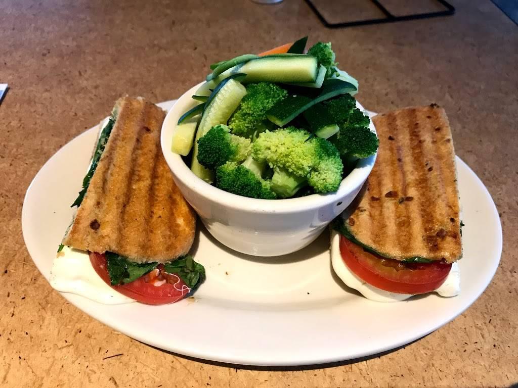 Jasons Deli - restaurant  | Photo 6 of 6 | Address: 3065 Mallory Ln, Franklin, TN 37067, USA | Phone: (615) 771-2626