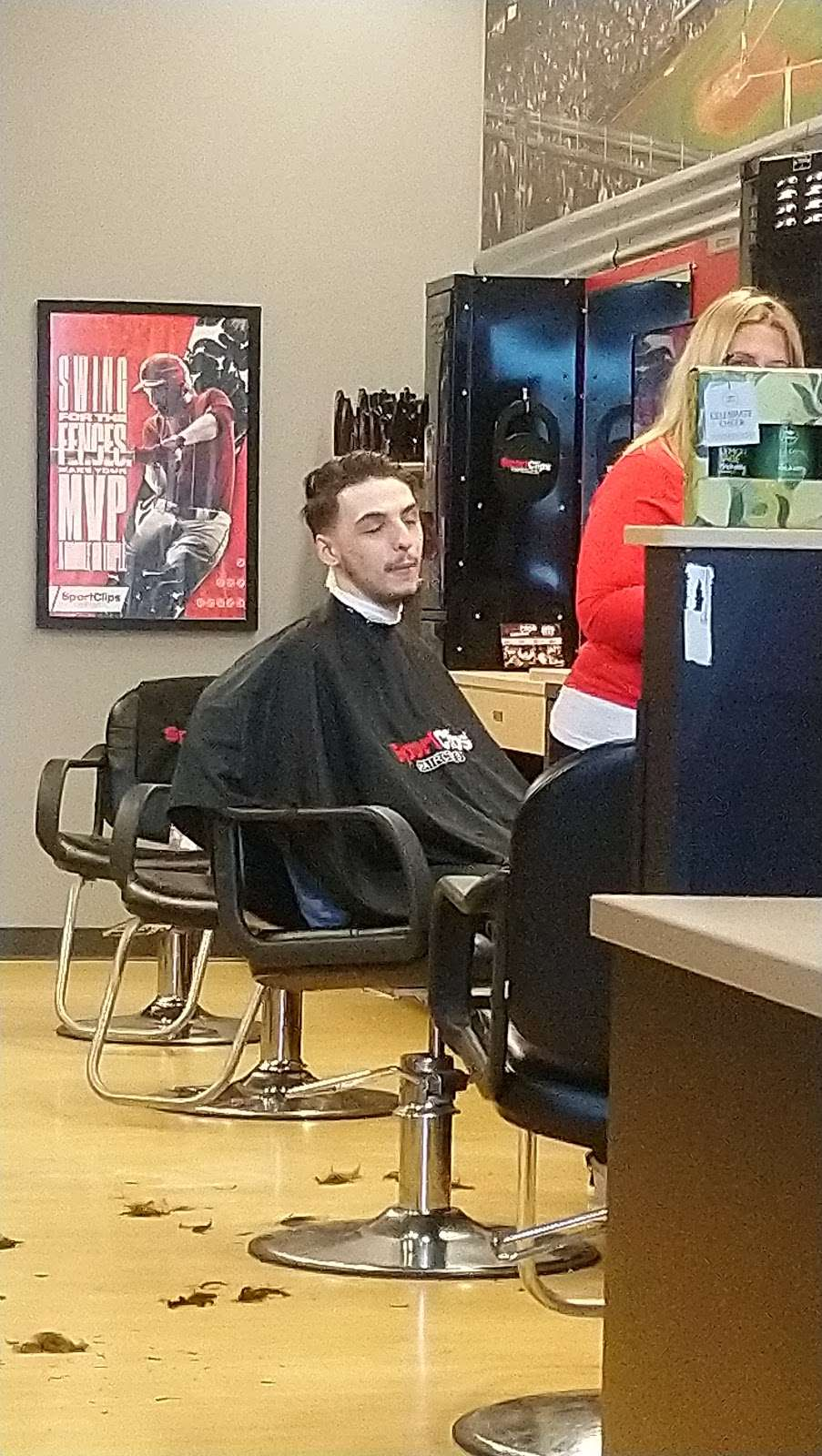 Sport Clips Haircuts of Alvin Center - hair care    Photo 5 of 7   Address: 252 N Bypass 35 Suite B, Alvin, TX 77511, USA   Phone: (281) 585-9600