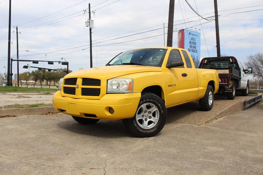 Discount Motors 2 - car dealer  | Photo 8 of 10 | Address: 620 N Collins St, Arlington, TX 76011, USA | Phone: (817) 461-2424