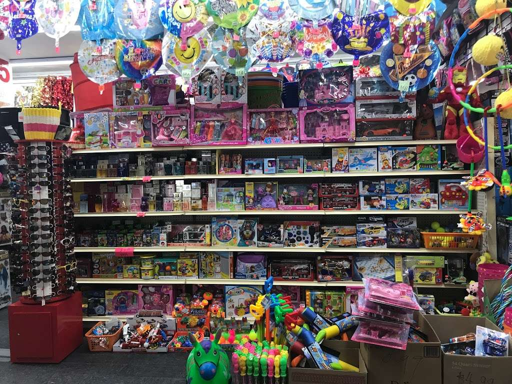 Broadway 99c Discount Store - store  | Photo 3 of 4 | Address: 25-07 36th Ave, Queens, NY 11106, USA | Phone: (718) 784-2135