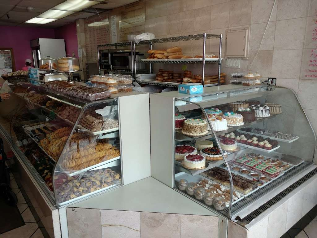 Pani Dolci - bakery  | Photo 1 of 6 | Address: 13767 Queens Blvd, Jamaica, NY 11435, USA | Phone: (718) 526-4407