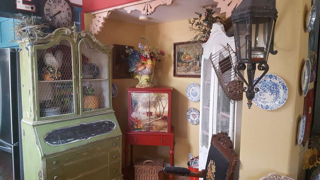 Favorite Finds Antiques And Home Decor
