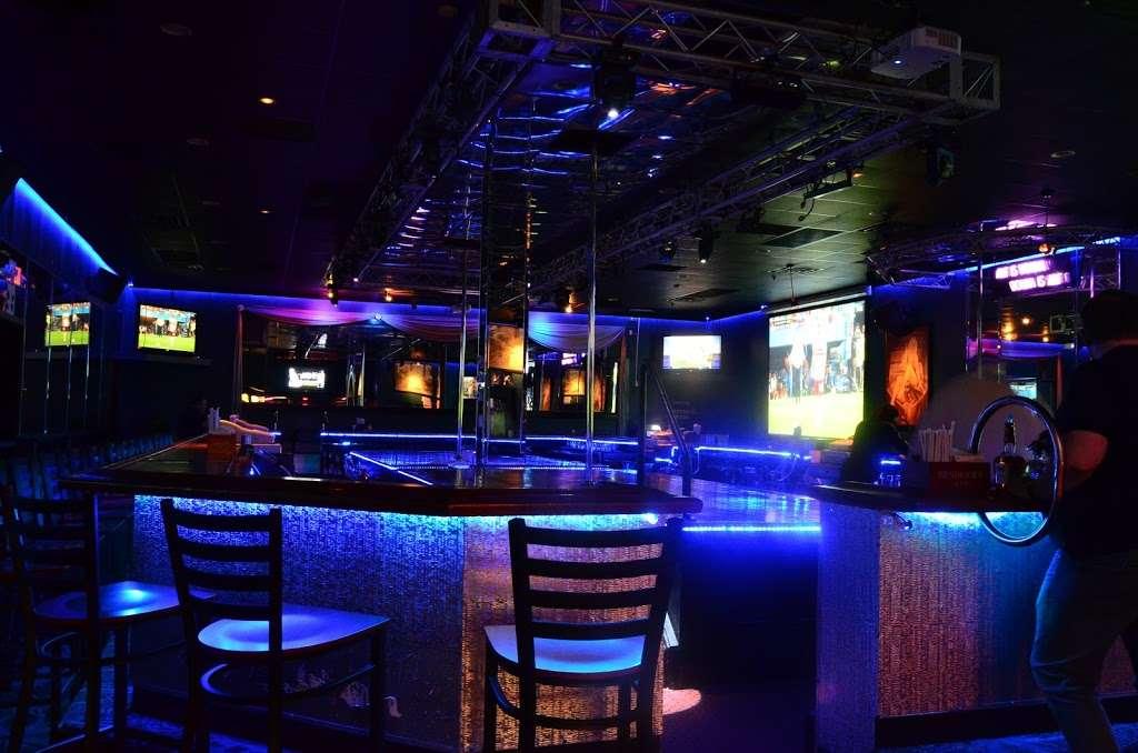 The Oasis - night club  | Photo 1 of 10 | Address: 6798 Essington Ave, Philadelphia, PA 19153, USA | Phone: (215) 937-0200