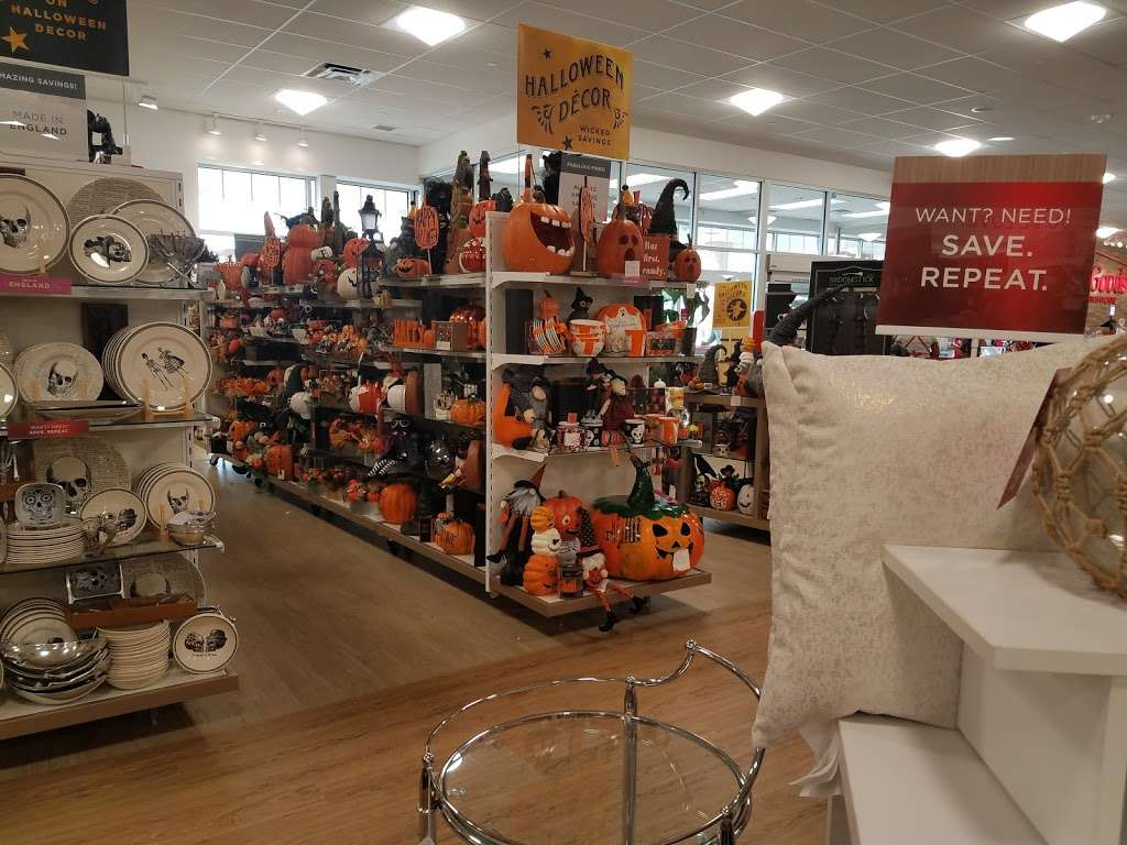 HomeGoods - department store  | Photo 10 of 10 | Address: 110 Lefante Way, Bayonne, NJ 07002, USA | Phone: (201) 339-2301