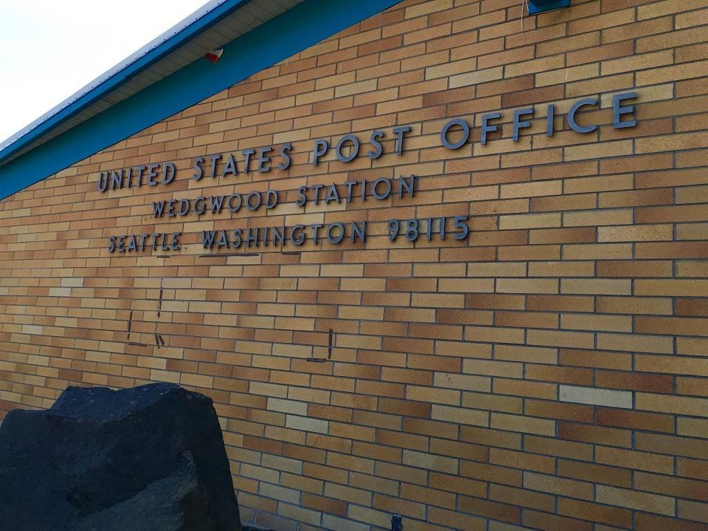 United States Postal Service - post office  | Photo 2 of 10 | Address: 7724 35th Ave NE, Seattle, WA 98115, USA | Phone: (800) 275-8777