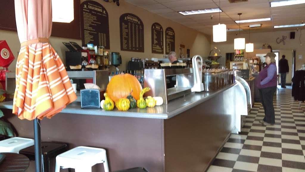 Mountain Roasting - cafe  | Photo 8 of 10 | Address: 6263 Graham Hill Rd, Felton, CA 95018, USA | Phone: (831) 335-9702