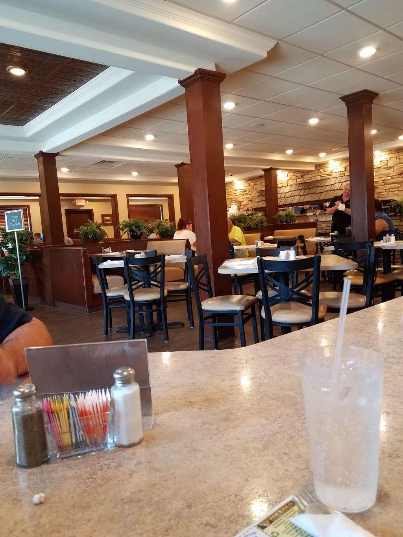 Rivertowne Restaurant & Bar - restaurant  | Photo 5 of 10 | Address: 960 Hellam St, Wrightsville, PA 17368, USA | Phone: (717) 252-3184