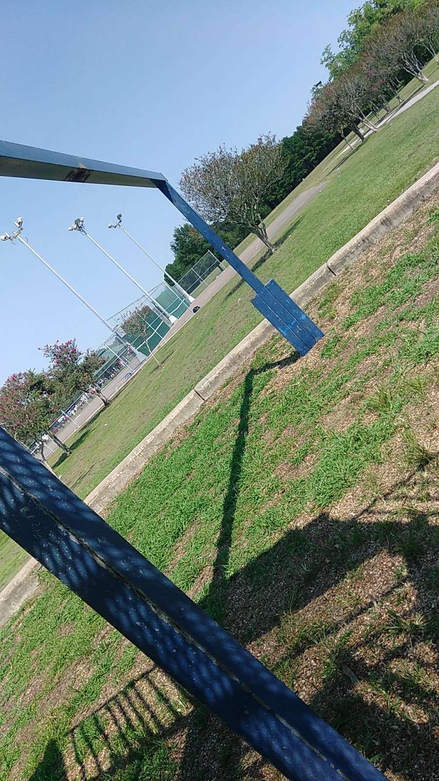 F.M. Park - park  | Photo 9 of 10 | Address: 6100 Vasser Rd, Houston, TX 77033, USA