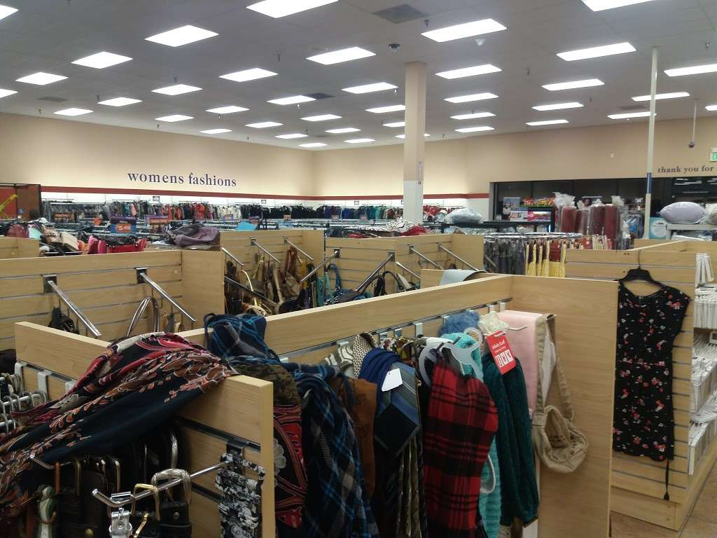 Goodwill Southern California Store & Donation Center - shoe store  | Photo 4 of 10 | Address: 4200 Chino Hills Pkwy Ste. 710, Chino Hills, CA 91709, USA | Phone: (909) 993-5015