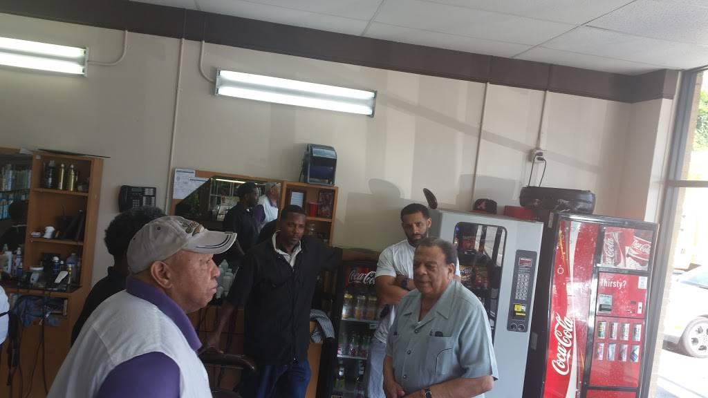 Ricks Barber & Beauty Salon - hair care  | Photo 3 of 8 | Address: 3640 Campbellton Rd SW, Atlanta, GA 30331, USA | Phone: (404) 346-7040