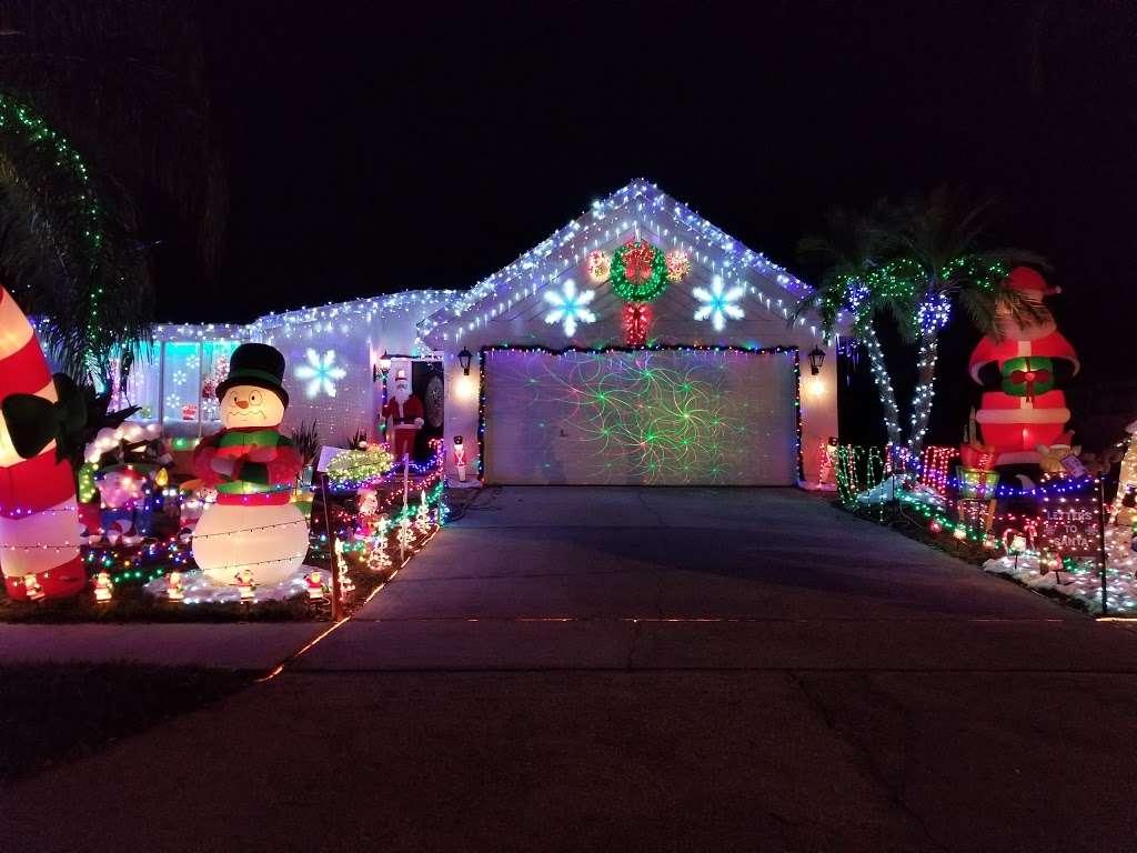 Rob and Bettys Christmas Light Display - lodging  | Photo 6 of 10 | Address: 5651 Garden Grove Cir, Winter Park, FL 32792, USA