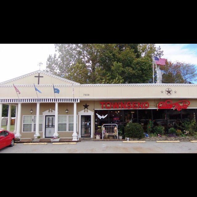 Townsend Auto Mart Inc - car dealer  | Photo 2 of 4 | Address: 7809 TN-3, Millington, TN 38053, USA | Phone: (901) 872-6789
