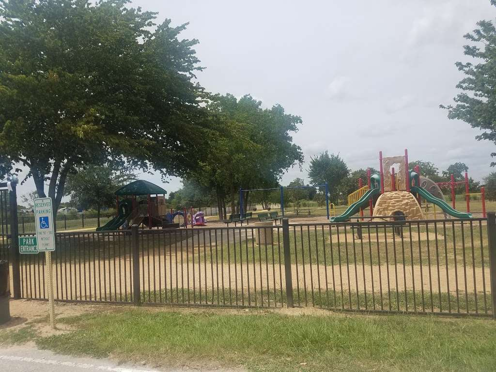 Fry Road Park - park  | Photo 9 of 10 | Address: 19818 Franz Rd, Katy, TX 77449, USA | Phone: (281) 496-2177