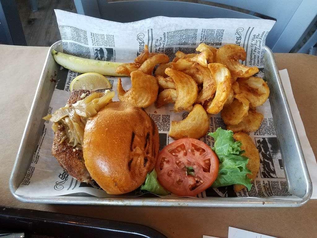 Donnellys Dockside - restaurant  | Photo 10 of 10 | Address: 1050 Deep Creek Ave, Arnold, MD 21012, USA | Phone: (410) 757-4045
