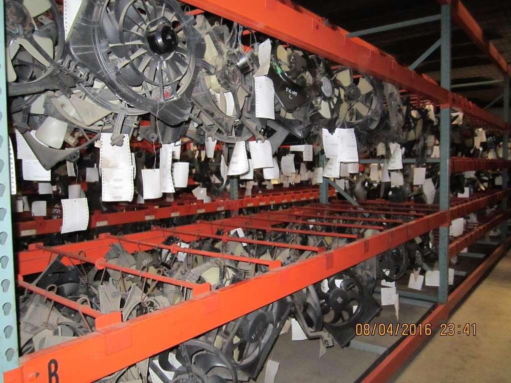 S&R Auto and Truck Salvage - car repair  | Photo 4 of 10 | Address: 1420 W Craighead Rd, Charlotte, NC 28206, USA | Phone: (704) 597-1085