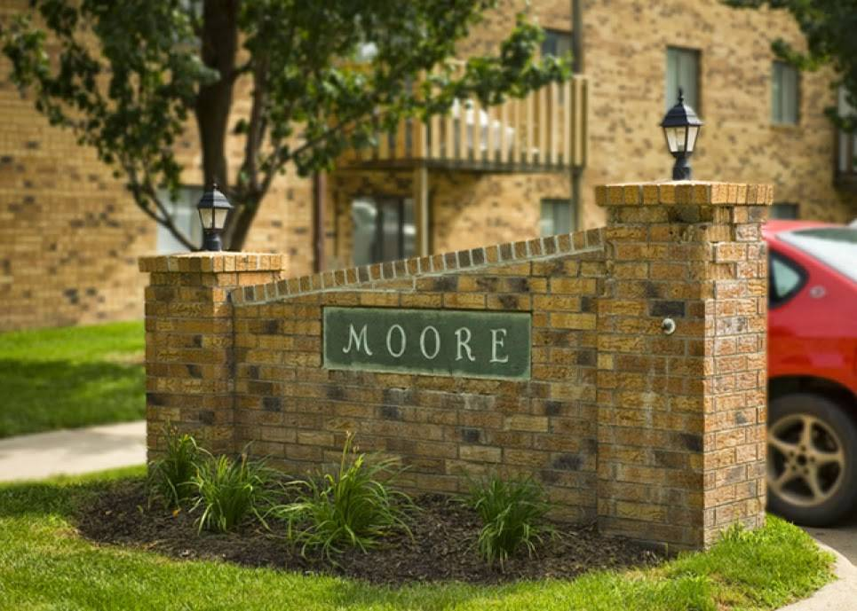 Moore Place Apartments - real estate agency  | Photo 3 of 6 | Address: 2920 N 54th St, Lincoln, NE 68504, USA | Phone: (402) 436-3461