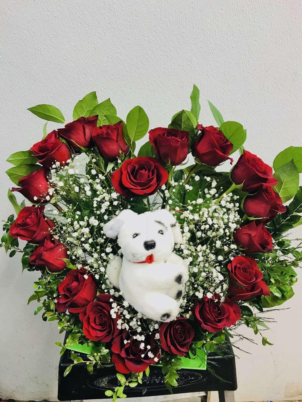 Yesenias Flowers - florist  | Photo 4 of 10 | Address: 1537 Castle Hill Ave, Bronx, NY 10462, USA | Phone: (347) 657-0022