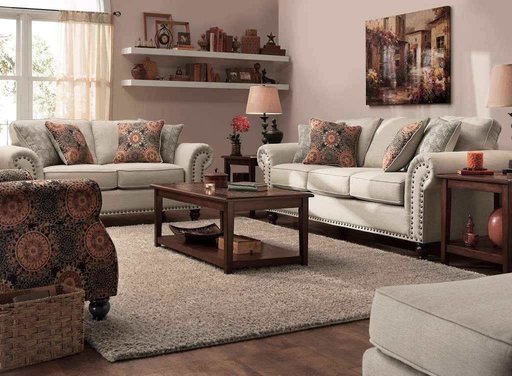 Raymour & Flanigan Furniture and Mattress Outlet - furniture store    Photo 1 of 10   Address: 7 Route 9 S, Manalapan, NJ 07726, USA   Phone: (732) 252-1980