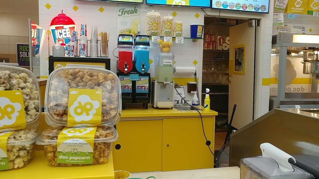 Doc Popcorn - meal takeaway  | Photo 8 of 10 | Address: 13783 W Oasis Srv Rd, Lake Forest, IL 60045, USA | Phone: (773) 491-7935