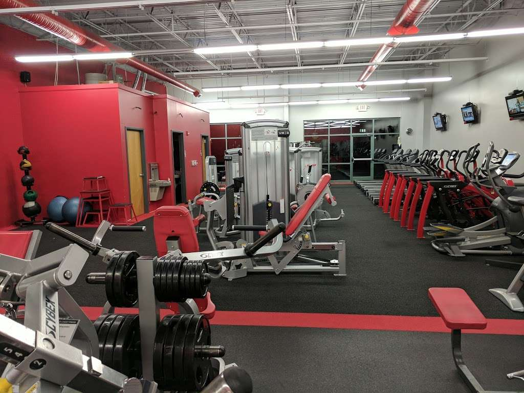 Snap Fitness - gym  | Photo 9 of 10 | Address: 881 SW Lemans Ln, Lees Summit, MO 64082, USA | Phone: (816) 623-9775