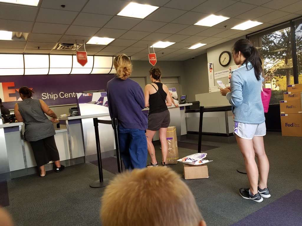 FedEx Ship Center - store    Photo 4 of 10   Address: 12600 S Prairie Ave, Hawthorne, CA 90250, USA   Phone: (800) 463-3339