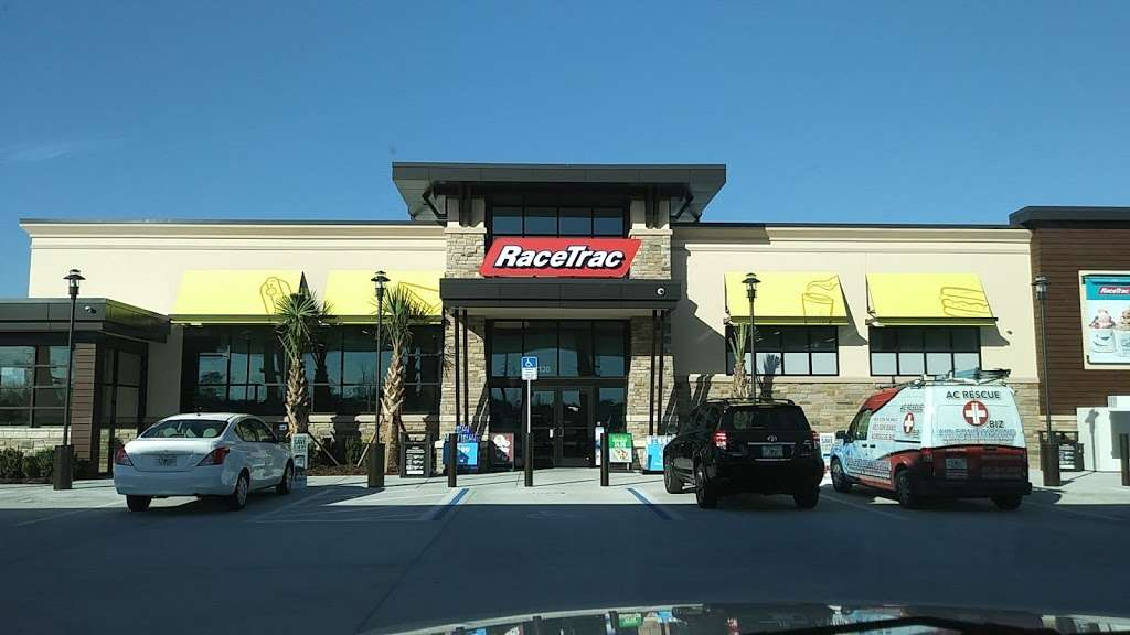 RaceTrac - gas station  | Photo 7 of 10 | Address: 12136 S John Young Pkwy, Orlando, FL 32837, USA | Phone: (407) 363-7788