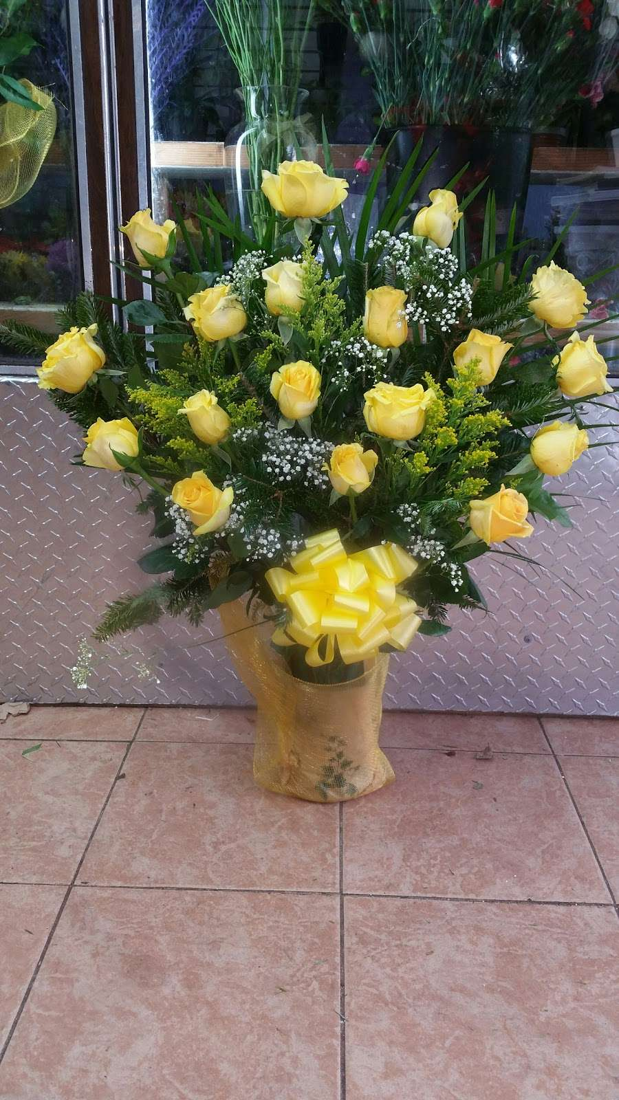 Yesenias Flowers - florist  | Photo 6 of 10 | Address: 1537 Castle Hill Ave, Bronx, NY 10462, USA | Phone: (347) 657-0022