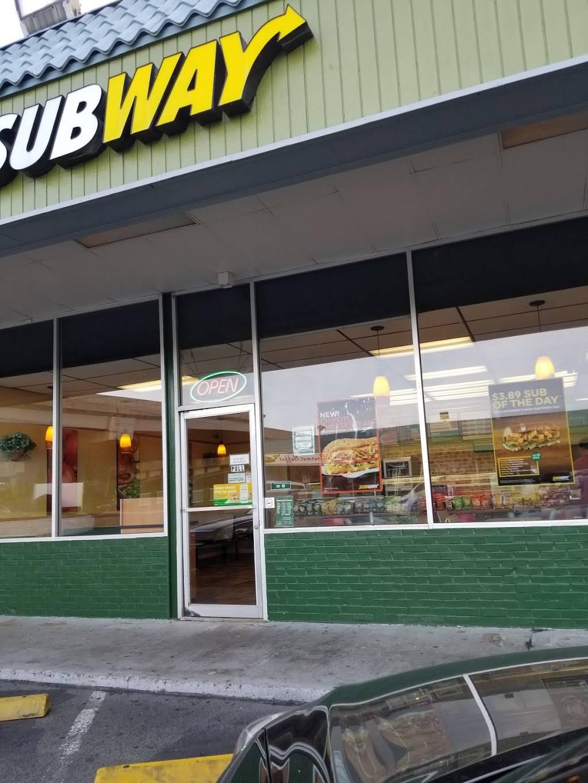 Subway - meal takeaway  | Photo 2 of 3 | Address: 3131 N Nimitz Hwy Suite 107, Honolulu, HI 96819, USA | Phone: (808) 839-1555
