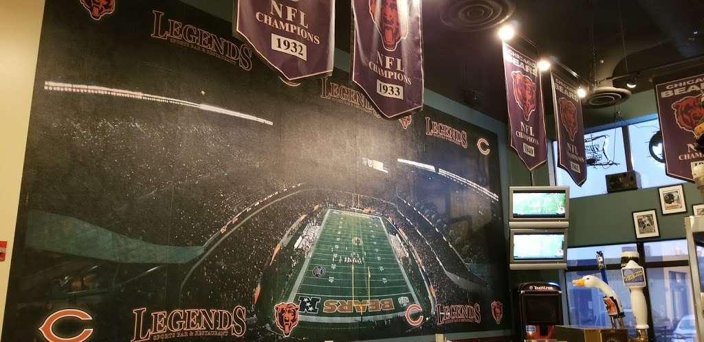 Legends Sports Bar & Grill - restaurant  | Photo 7 of 10 | Address: 4200 River Rd, Schiller Park, IL 60176, USA | Phone: (847) 233-9000