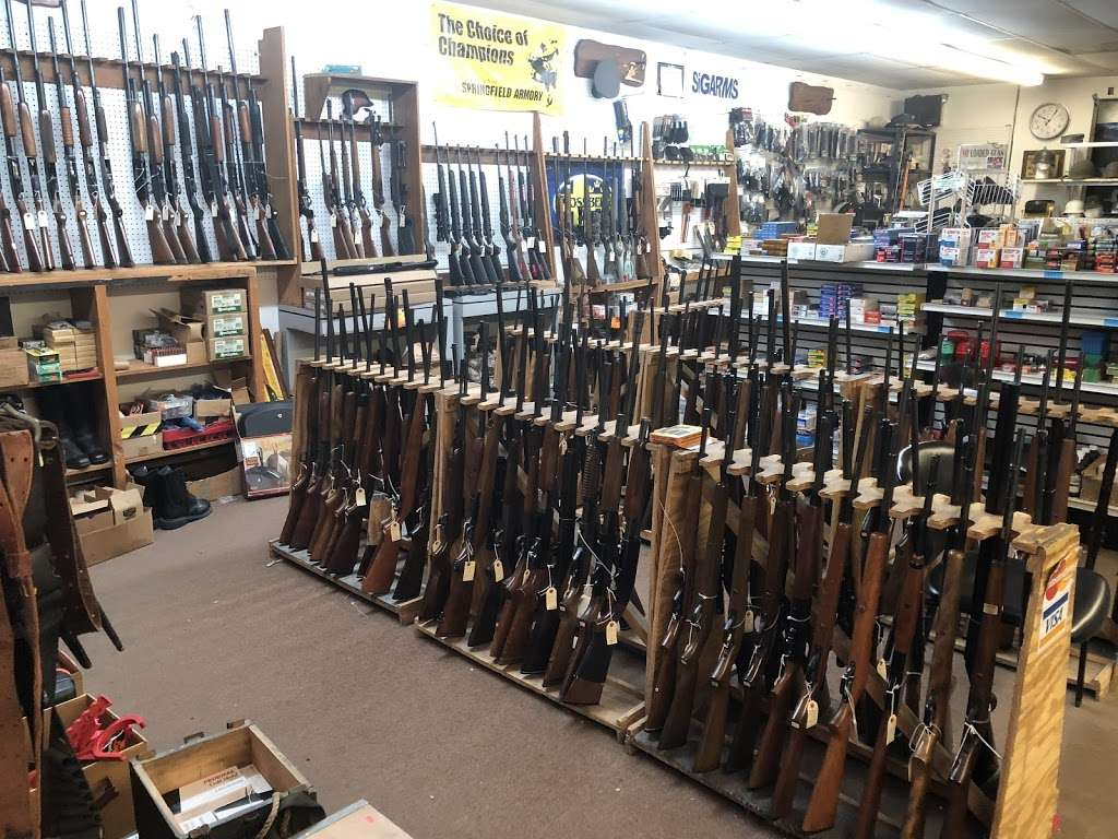 AFFORDABLE FIREARMS - store  | Photo 1 of 2 | Address: 122 Bridge St #9, Pelham, NH 03076, USA | Phone: (603) 635-8443